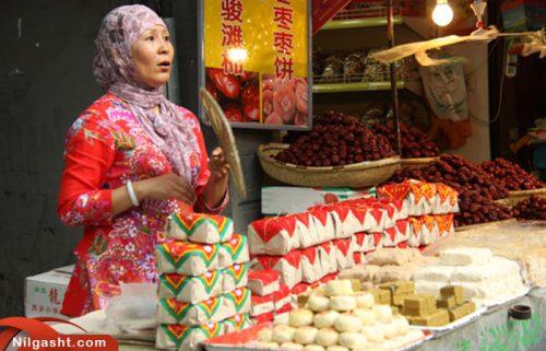فروشنده مواد غذایی در خیابان مسلمانان شیان
