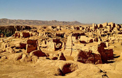 آثار باستانی در مسیر جاده ابریشم
