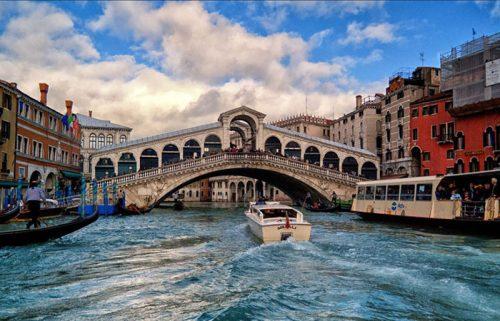 ایتالیا و حمل کالا به غرب از طریق جاده ابریشم