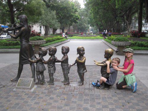 مجسمه های جذاب جزیره شامیان در گوانجو چین